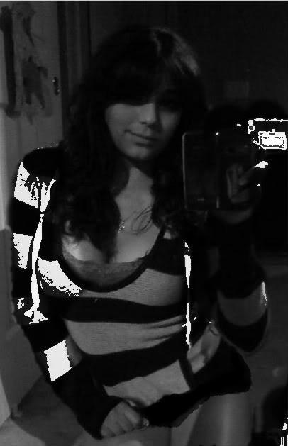 Молодая идеальная проститутка Эрика с наколкой на бедре