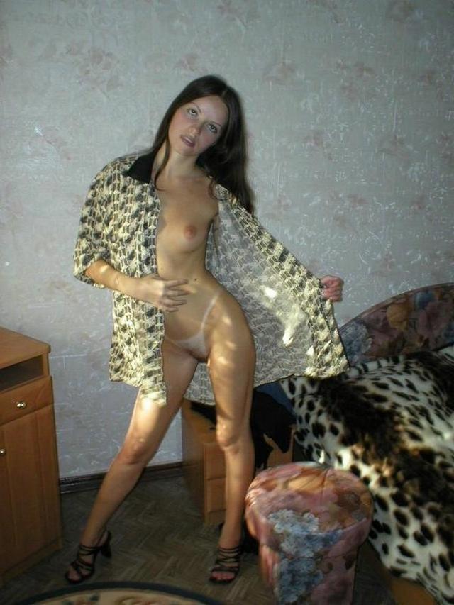 Стройненькая Алина невероятно грациозна порнофото